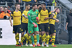 06.10.2018, Signal Iduna Park, Dortmund, GER, DFL, BL, Borussia Dortmund vs FC Augsburg, DFL regulations prohibit any use of photographs as image sequences and/or quasi-video<br /> <br /> im Bild die Mannschaft von Dortmund Jubel / Freude / Emotion / Torjubel / Torschuetze zum 4:3 Paco Alcacer (#9, Borussia Dortmund) <br /> <br /> Foto &copy; nph/Horst Mauelshagen