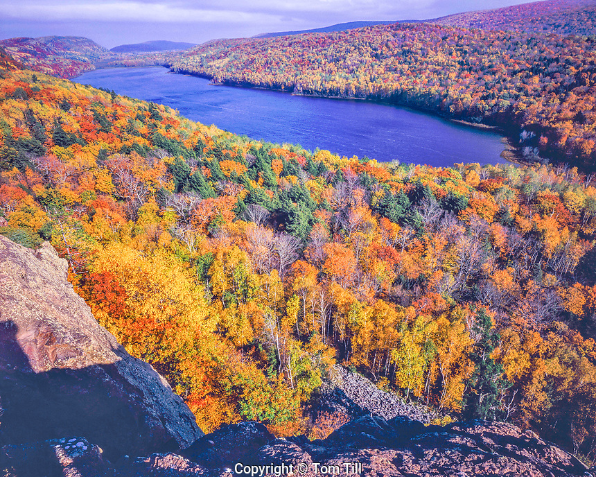 Autumn Maples at Lake of the Clouds, Porcupine Mountain State Park, Porcupine Mountain Wilderness, Near Lake Superior, Michigan