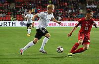 Julian Brandt (Deutschland Germany) zieht an Jan Boril (Tschechische Republik) vorbei - 01.09.2017: Tschechische Republik vs. Deutschland, Eden Arena