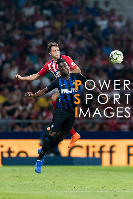 Santiago Arias of Atletico de Madrid fights for the ball with Yann Karamoh of FC Internazionale during their International Champions Cup Europe 2018 match between Atletico de Madrid and FC Internazionale at Wanda Metropolitano on 11 August 2018, in Madrid, Spain. Photo by Diego Souto / Power Sport Images