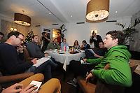 SCHAATSEN: ORANJEWOUD: Hotel Tjaarda, 21-12-2012, Seizoen 2012-2013, TVM perslunch, Sven Kramer, ©foto Martin de Jong
