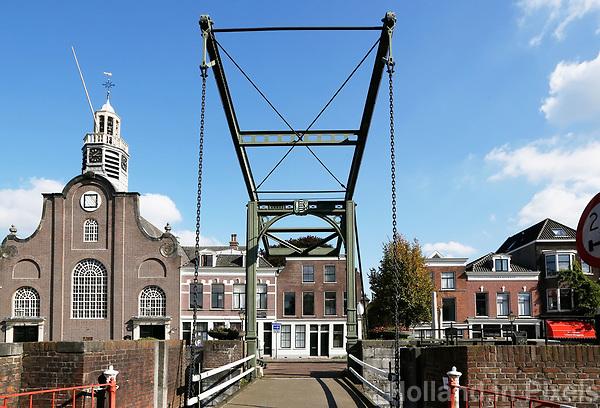 Historisch Rotterdam. Ophaalbrug bij Delfshaven. De Voorhaven.  Foto Berlinda van Dam / Hollandse Hoogte