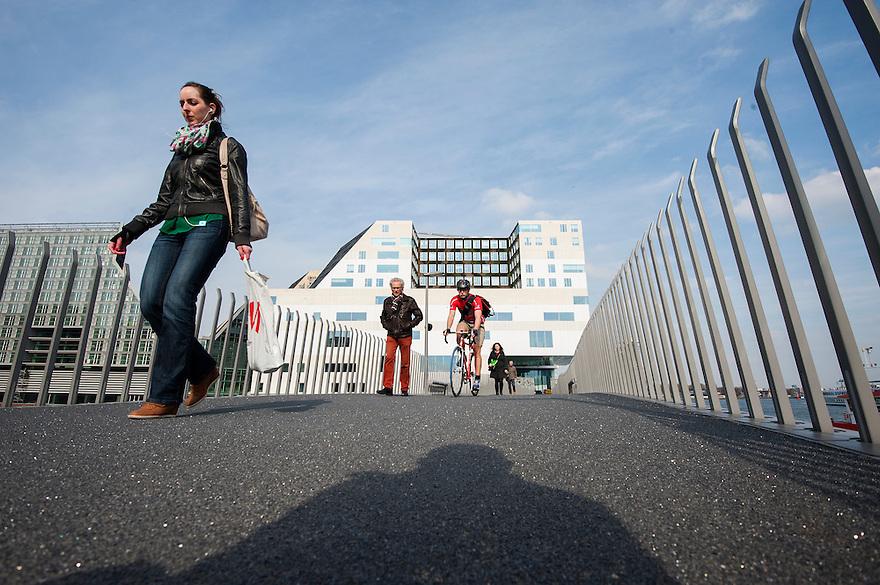 Nederland, Amsterdam, 22 april 2013<br /> Westerdok.   Strakke architectuur. Het nieuwe paleis van justitie aan het IJ<br /> Foto(c): Michiel Wijnbergh