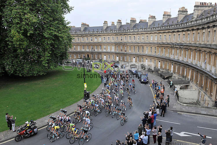 Picture by Simon Wilkinson/SWpix.com - 12/09/2014 - Cycling - 2014 Friends Life Tour of Britain - Stage 6, Bath - Hemel Hempstead - Riders cycle through The Circus in Bath during the start of Stage 6.