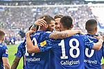 31.08.2019, VELTINS-Arena, Gelsenkirchen, GER, DFL, 1. BL, FC Schalke 04 vs Hertha BSC, DFL regulations prohibit any use of photographs as image sequences and/or quasi-video<br /> <br /> im Bild die Mannschaft von Schalke Jubel / Freude / Emotion / Torjubel / Torschuetze zum 2:0 Torschuetze Guido Burgstaller (#19, FC Schalke 04) <br /> <br /> Foto © nordphoto/Mauelshagen