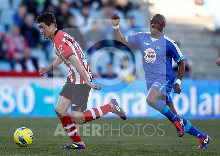 Getafe's -get against Athletic de Bilbao's Ander Herrera during La Liga Match. January 08, 2012. (ALTERPHOTOS/Alvaro Hernandez)