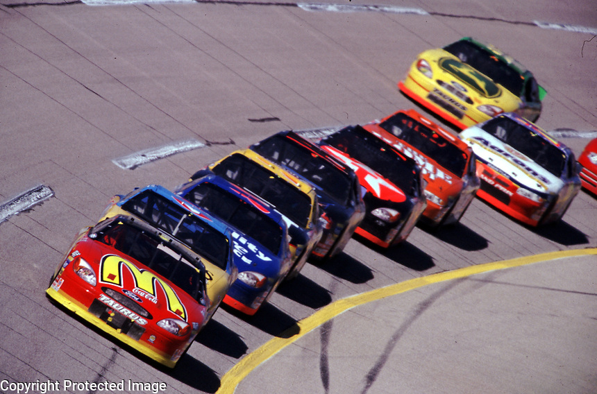 Bill Elliott leads early at Talladega during the Winston 500 on October 15, 2000.
