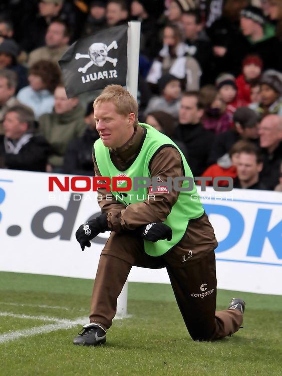 2.Liga FBL 2008/2009  25.Spieltag R&uuml;ckrunde<br /> FC St.Pauli vs. FC Augsburg 1:1<br /> <br /> <br /> Timo Schultz (Nr.12) weint.<br /> <br /> <br /> Foto &copy; nph (nordphoto)<br /> <br /> *** Local Caption ***