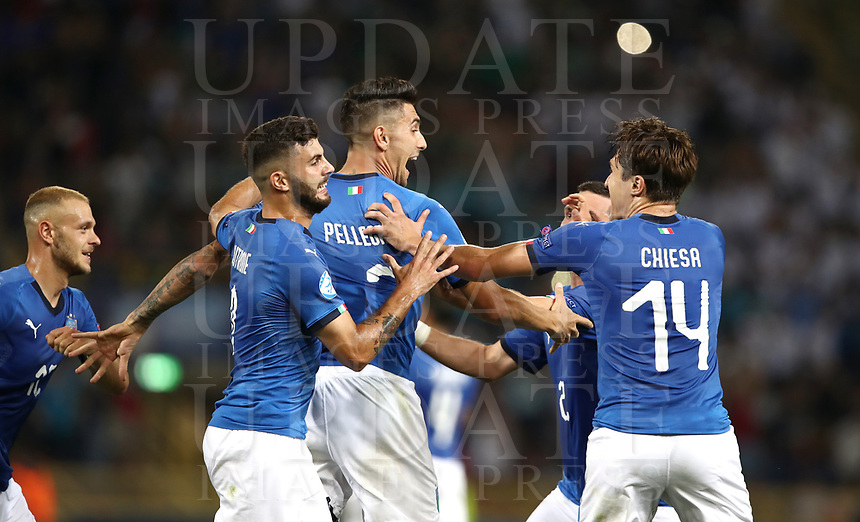 Football: Uefa European under 21 Championship 2019, Italy - Spain Renato Dall'Ara stadium Bologna Italy on June16, 2019.<br /> Italy's Lorenzo Pellegrini (c) celebrates after scoring with his teammates during the Uefa European under 21 Championship 2019 football match between Italy and Spain at Renato Dall'Ara stadium in Bologna, Italy on June16, 2019.<br /> UPDATE IMAGES PRESS/Isabella Bonotto