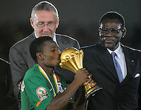 Christopher Katongo con la coppa Zambia.Libreville 12/2/2012 .Football Calcio 2012.Coppa d'Africa.Zambia Costa d'Avorio.Foto Insidefoto / Christian Liewig / FEP / Panoramic.ITALY ONLY