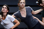 EXPLOIT<br /> <br /> Chorégraphie : Pauline Simon<br /> Lumière : Alain Szlendak<br /> Avec : <br /> Aurélie Berland<br /> Celia Gondol<br /> Lea Lansade<br /> Claire Laureau<br /> Corentin Le Flohic<br /> Roberto Martinez<br /> Pauline Simon<br /> Place : Théâtre des Abbesses<br /> Town : Paris<br /> Date : 09/09/2013<br /> © Laurent Paillier / photosdedanse.com
