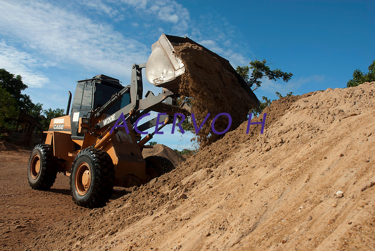 Extração de areia e seixo das águas do rio Tocantins.<br /> Marabá, Pará, Brasil<br /> ©FOTO: PAULO Santos2010