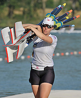 Banyoles, SPAIN, GBR W2X, Beth RODFORD, carrying the sculls, FISA World Cup Rd 1. Lake Banyoles  Saturday,  30/05/2009   [Mandatory Credit. Peter Spurrier/Intersport Images]