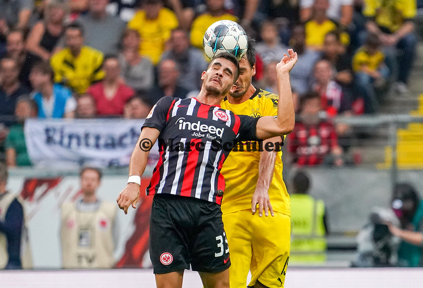 Andre Silva (Eintracht Frankfurt) gegen Mats Hummels (Borussia Dortmund) - 22.09.2019: Eintracht Frankfurt vs. Borussia Dortmund, Commerzbank Arena, 5. Spieltag<br /> DISCLAIMER: DFL regulations prohibit any use of photographs as image sequences and/or quasi-video.