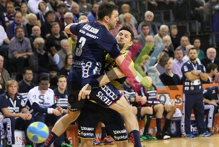 Flensburg, 02.12.15, Sport, Handball, DKB Handball Bundesliga, Saison 2015/2016, SG Flensburg-Handewitt-Rhein-Neckar L&ouml;wen :  Tobias Karlsson (SG Flensburg-Handewitt, #03), Alexander Petersson (Rhein-Neckar L&ouml;wen, #32)<br /> <br /> Foto &copy; PIX-Sportfotos *** Foto ist honorarpflichtig! *** Auf Anfrage in hoeherer Qualitaet/Aufloesung. Belegexemplar erbeten. Veroeffentlichung ausschliesslich fuer journalistisch-publizistische Zwecke. For editorial use only.