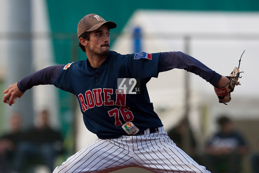 10 october 2009: Mathieu Crescent of Rouen pitches against Savigny during game 3 of the 2009 French Elite Finals won 4-2 by Lions of Savigny over Huskies of Rouen, at Stade Jean Moulin stadium in Savigny sur Orge, near Paris, France.