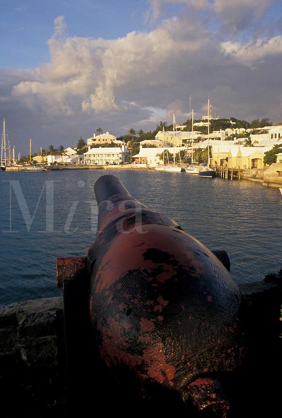 Bermuda, St. George's Parish, Cannon overlooking St. George's Harbor in St George in Bermuda.