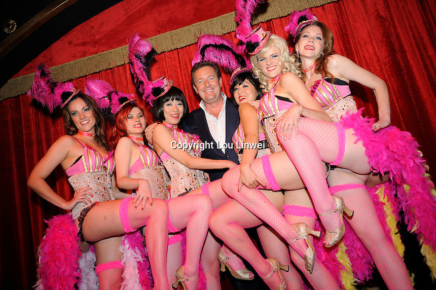 Piers Morgan in Shanghaitown Club. Oct-29-2009