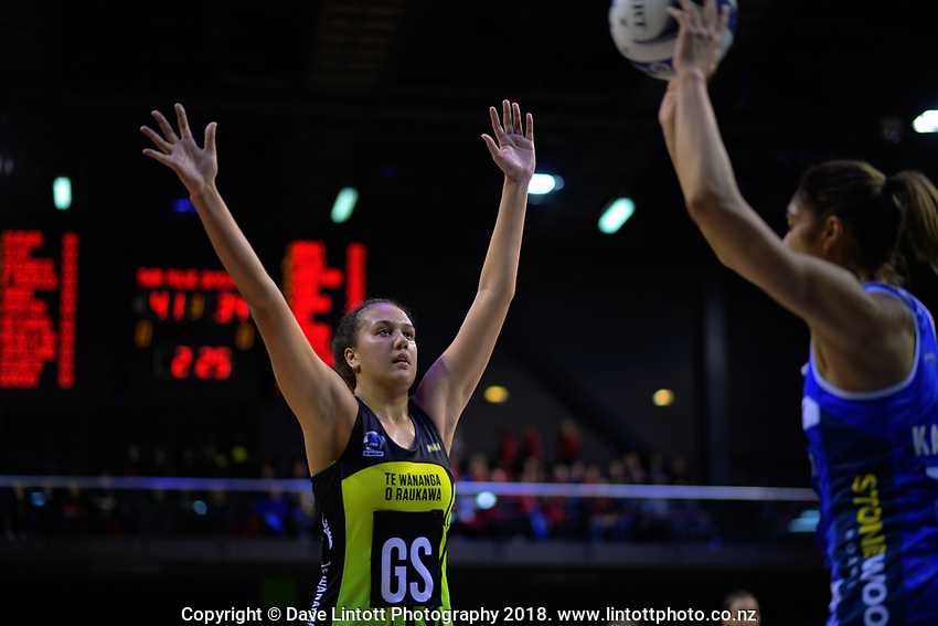 Aliyah Dunn marks Phoenix Karaka (right) during the ANZ Premiership netball match between the Central Pulse and Northern Mystics at TSB Bank Arena in Wellington, New Zealand on Wednesday, 1 August 2018. Photo: Dave Lintott / lintottphoto.co.nz
