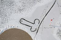 Schneepimmel : DEUTSCHLAND, HAMBURG 04.02.2012 : Eindeutige Zeichen in der JVA Billwerder ein Schneepimmel aerial view am Tag am Tage Deutschland Flugaufnahme Flugbild Fuhlsbuettel Gebaeude Gefaengnis Gefaengnisse Germany Haftanstalt Haftanstalten Hamburg Hamburger Hansestadt Justizvollzugsanstalt jva Luftaufnahme Luftaufnahmen luftbild Luftbilder Luftfoto Luftfotos Luftphoto Luftphotos Sicherheit Strafanstalt Strafanstalten Strafvollzug Tag tagsueber Vogelperspektive Vogelperspektiven Schnee Zeichen Pictogramm