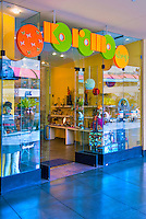 Koromo, Apparel,  Kodak, Shopping, Center, Hollywood, Highland,  Hollywood, Boulevard, CA ,Vertical image