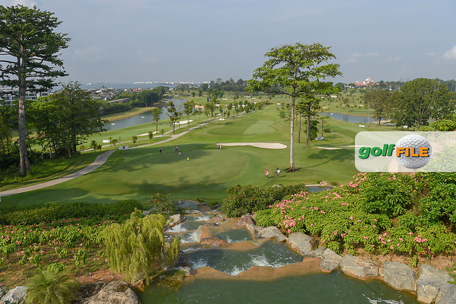 A wide view of the green on 3 during Rd 1 of the Asia-Pacific Amateur Championship, Sentosa Golf Club, Singapore. 10/4/2018.<br /> Picture: Golffile | Ken Murray<br /> <br /> <br /> All photo usage must carry mandatory copyright credit (© Golffile | Ken Murray)