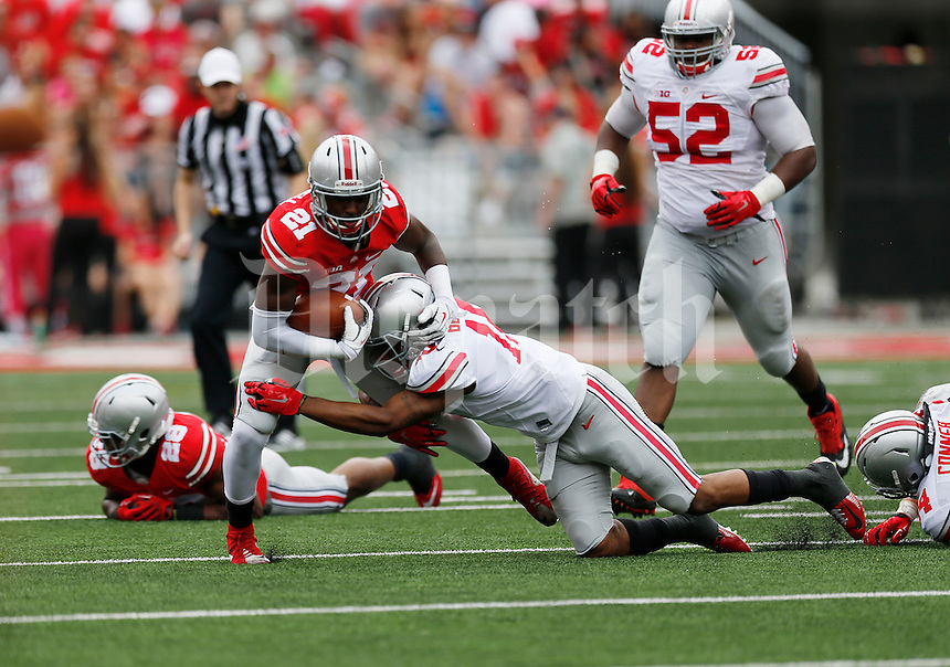Parris Campbell runs the ball in the first half of the Ohio State Spring Football Game Saturday, April 18 2015.  (Dispatch Photo by Courtney Hergesheimer)