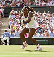 Serena Williams (USA) (1) against Vera Zvonereva (RUS) (21) in the final of the ladies singles. Serena Wiliams beat Vera Zvonereva 6-3 6-2..Tennis - Wimbledon Lawn Tennis Championships - Day 13 Sun 4th Jul 2010 -  All England Lawn Tennis and Croquet Club - Wimbledon - London - England..© FREY - AMN IMAGES  Level 1, Barry House, 20-22 Worple Road, London, SW19 4DH.TEL - +44 (0) 20 8947 0100.Email - mfrey@advantagemedianet.com.www.advantagemedianet.com