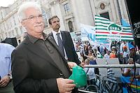 RAFFAELE BONANNI, SEGRETARO DELLA CISL ..Roma 01/09/2011 Piazza Navona. Manifestazione di CISL, UIL E  UGL per protestare contro la Manovra Finanziaria...Photo Samantha Zucchi Insidefoto