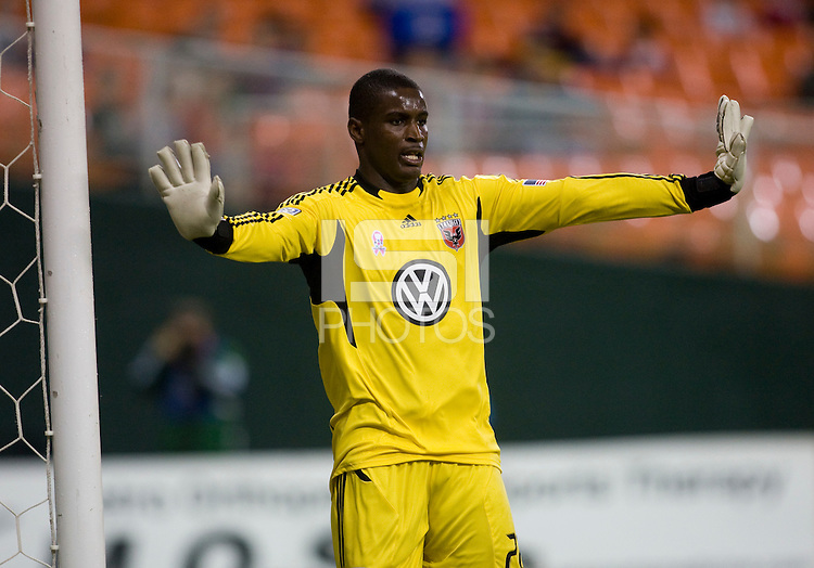 Bill Hamid (28) of D.C. United communicates with his team during the game at RFK Stadium in Washington, D.C. D.C. United tied the Portland Timbers, 1-1.