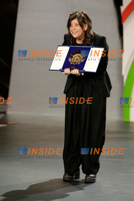 Mariana Rond&Atilde;&sup3;n receives Concha de Oro award in the closing ceremony during the 61st San Sebastian Film Festival in the Northern Spanish Basque city of San Sebastian on September 27, 2013. (ALTERPHOTOS/Victor Blanco) <br /> San Sebastian Film Fest<br /> Foto Insidefoto