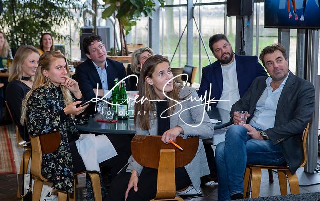 VOGELENZANG - Laurine Leurink,  . bondscoach Max Caldas (Ned) , Jeroen Bijl, Pien Sanders, Spelerslunch KNHB 2019.   COPYRIGHT KOEN SUYK