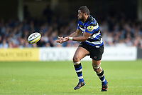 Taulupe Faletau of Bath Rugby passes the ball. Aviva Premiership match, between Bath Rugby and London Irish on May 5, 2018 at the Recreation Ground in Bath, England. Photo by: Patrick Khachfe / Onside Images