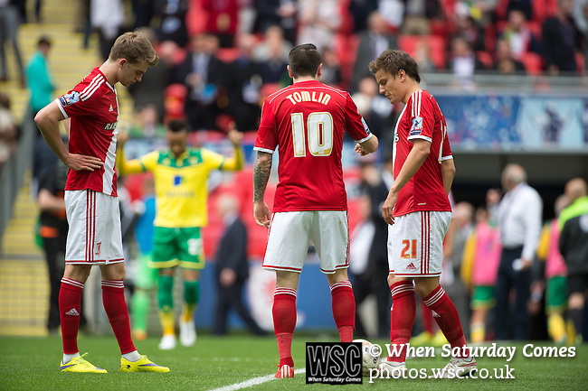 Norwich City 2 Middlesbrough 0, 25/05/2015. Wembley Stadium, Championship Play Off Final. Middlesbrough prepare to get the second half underway. A match worth £120m to the victors. On the day Norwich City secured an instant return to the Premier League with victory over Middlesbrough in front of 85,656. Photo by Simon Gill.