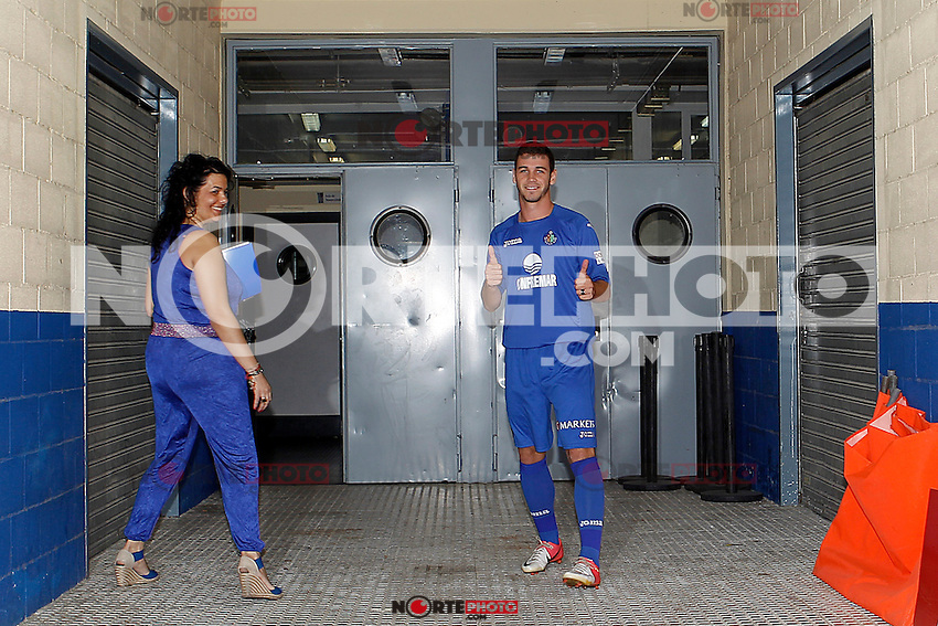 Getafe's new player Alvaro Vazquez during his official presentation. September 13, 2012. (ALTERPHOTOS/Acero) /NortePhoto.com<br /> <br /> **CREDITO*OBLIGATORIO** *No*Venta*A*Terceros*<br /> *No*Sale*So*third*...