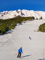 Wintersport bei Untermarkter Alm im Ski-Gebiet Hochimst bei Imst, Tirol, Österreich, Europa<br /> winter sports at alp  Untermarkter Alm, skiing area Hochimst, Imst, Tyrol, Austria, Europe