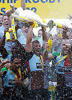 Photo: Richard Lane/Richard Lane Photography. Harlequins v Leicester Tigers. Aviva Premiership Final. 26/05/2012. Quins' Chris Robshaw holds aloft the trophy.
