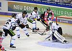 06.10.2019, Mercedes Benz Arena, Berlin, GER, 1.DEL, EISBAEREN BERLIN  VS.  Straubingen Tigers, im Bild <br /> Sean Backman (Eisbaeren Berlin #61),<br /> Sebastian Vogel (Straubingen Tigers #25), Benedikt Schopper (Straubingen Tigers #10), TIM BRUNNHUBER (Straubingen Tigers #19), Stephan Daschner (Straubingen Tigers #9)<br /> <br />      <br /> Foto © nordphoto / Engler