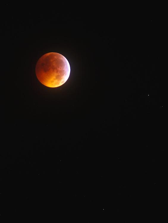 Full Lunar Eclipse 0329EST 12212010