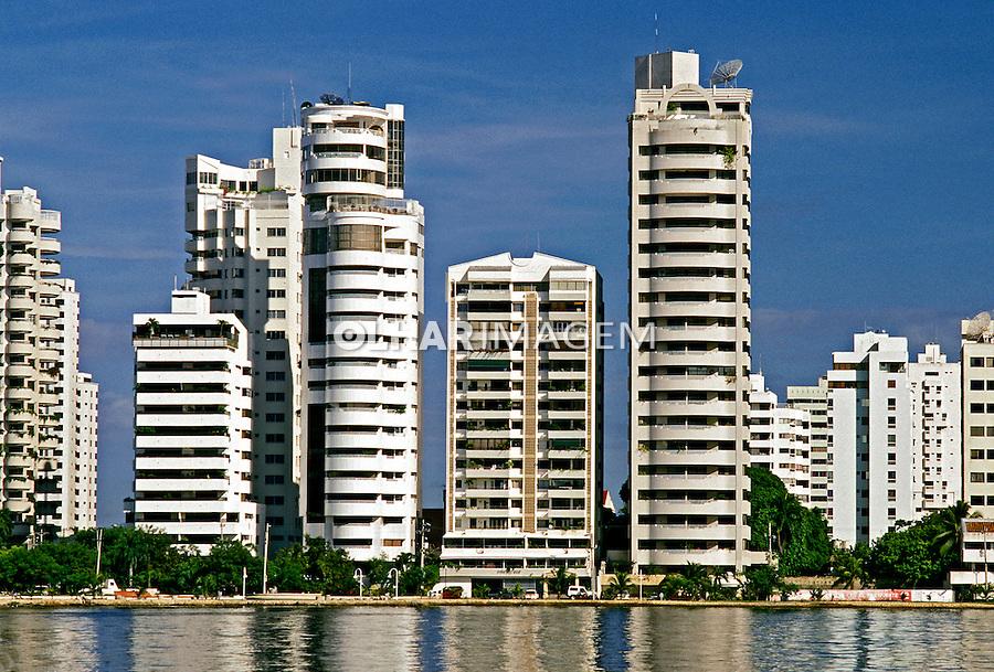 Prédios de apartamentos em Cartagena. Colombia. 2001. Foto de Ricardo Azoury.