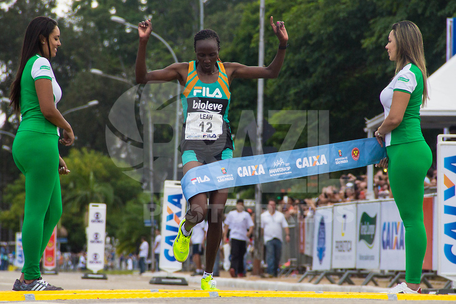 SAO PAULO, SP, 09.04.2016 -MARATONA-SP- Leah Jerotich (Quenia) ,conquista o primeiro lugar nos 42 KM com o tempo de 02:41:58 durante a 23ª edição da Maratona Internacional de São Paulo, realizado na cidade de São Paulo, SP, neste domingo (09). (Foto: Danilo Fernandes/Brazil Photo Press)