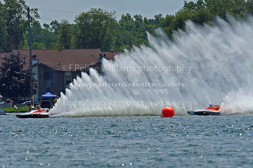 "Steve Kuhr, Jr., ""Deel Me In"" GNH-8 and Joe Kreitzer, GNH-515 ""One Way"" (Grand National Hydroplane(s)"
