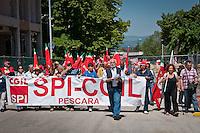 Pensionati dello SPI durante lo Sciopero Nazionale della CGIL, in Abruzzo il corteo della protesta si è svolta nella zona rossa della città de L'Aquila ad un anno dal terremoto. 25/06/2010 Photo: Adamo Di Loreto/BuenaVista*Photo