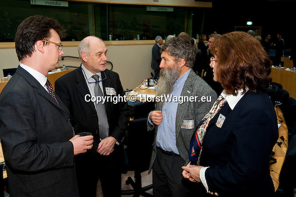Brussels-Belgium - January 24,  2012 -- 'The Marine Sciences in Europe 2014-2020: A German Perspective' - a conference at the European Parliament hosted by KDM (Konsortium Deutsche Meeresforschung / German Maritime Research Consortium); here, prior to the event: Holger WANDSLEB (le), Mecklenburg-Vorpommern;   Dr. Thomas BEHRENS (2.le), Mecklenburg-Vorpommern; Prof. Dr. Ulrich BATHMANN (2.ri), Director Leibniz Institute for Baltic Sea Research Warnemuende; Marion ARNDT (ri), LV Mecklenburg-Vorpommern -- Photo: © HorstWagner.eu