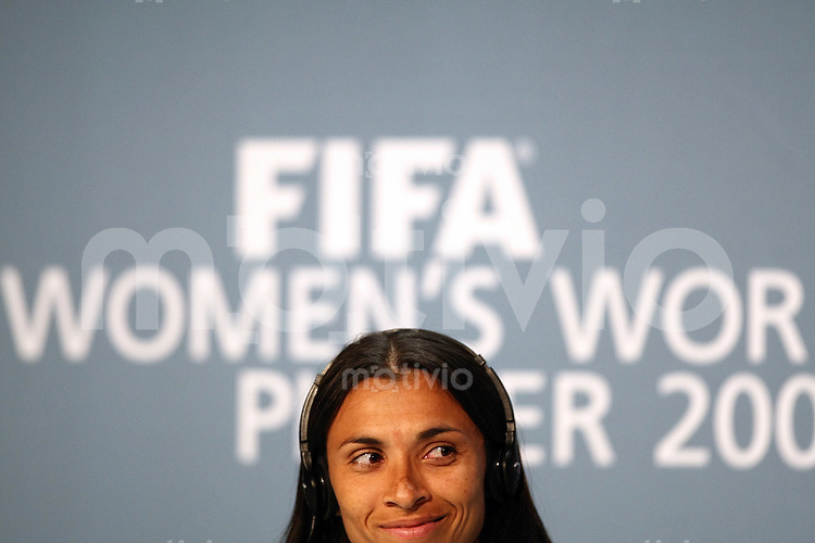 Sport,    Fussball     International    17.12.07 FIFA World Player Gala 2007 MARTA (BRA), waehrend der Pressekonferenz vor der FIFA Women´s World Player 2007 Gala in Zuerich.