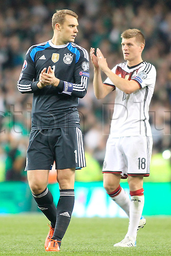 08.10.2015. Aviva Stadium, Dublin, Ireland. Euro2016 Qualification. Republic of Ireland versus Germany. Manuel Neuer and Toni Kroos applaud the traveling German support.