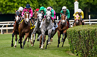 ELMONT, NY - JUNE 09: The field for the Jaipur Invitational enters the stretch on Belmont Stakes Day at Belmont Park on June 9, 2018 in Elmont, New York. (Photo by Dan Heary/Eclipse Sportswire/Getty Images)
