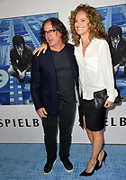 Amy Brenneman, Brad Silberling at the premiere for the HBO documentary &quot;Spielberg&quot; at Paramount Studios, Hollywood. Los Angeles, USA 26 September  2017<br /> Picture: Paul Smith/Featureflash/SilverHub 0208 004 5359 sales@silverhubmedia.com