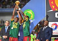 Esultanza Camerun con la Coppa <br /> Benjamin Moukandjo - Nicolas Nkoulou <br /> Libreville ( Gabon ) 5-02-2017 Coppa Africa 2017 <br /> Finale <br /> Camerun -  Egitto <br /> Foto Boubacar / Panoramic / Insidefoto