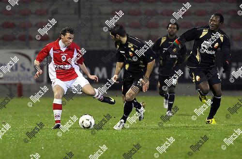 2010-01-23 / Voetbal / seizoen 2009-2010 / R. Antwerp FC - Bergen / Kevin Baert (L, Antwerp)..Foto: mpics
